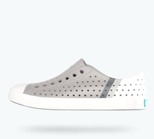 Side view of Jefferson Block in Pigeon Grey / Shell White / Gradient Block