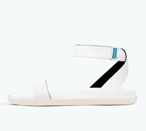 Side view of Juliet in Shell White / Bone White