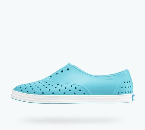 Side view of Jericho in Surfer Blue / Shell White