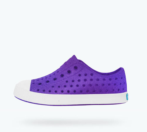 Side view of Jefferson Iridescent Child in Starfish Purple / Shell White / Galaxy