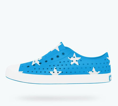 Side view of Jefferson Print in Wave Blue / Shell White / Big Star